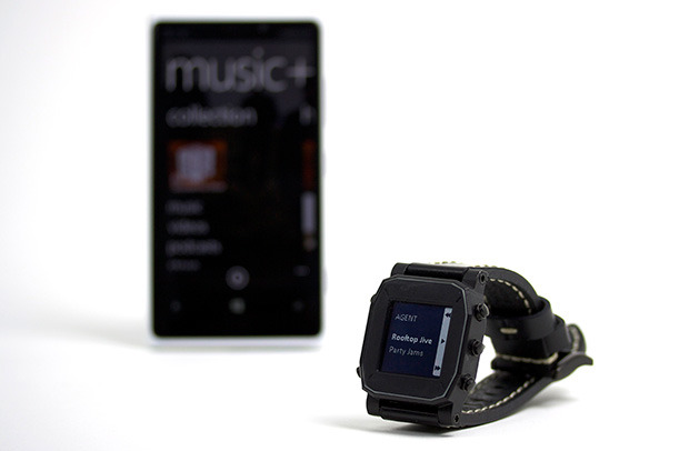 AGENT watch connected to Windows Phone music app